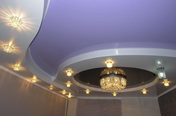 Двухуровневый натяжной потолок в спальню