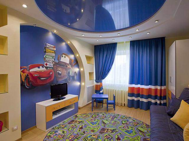 Двухуровневый натяжной потолок в детской