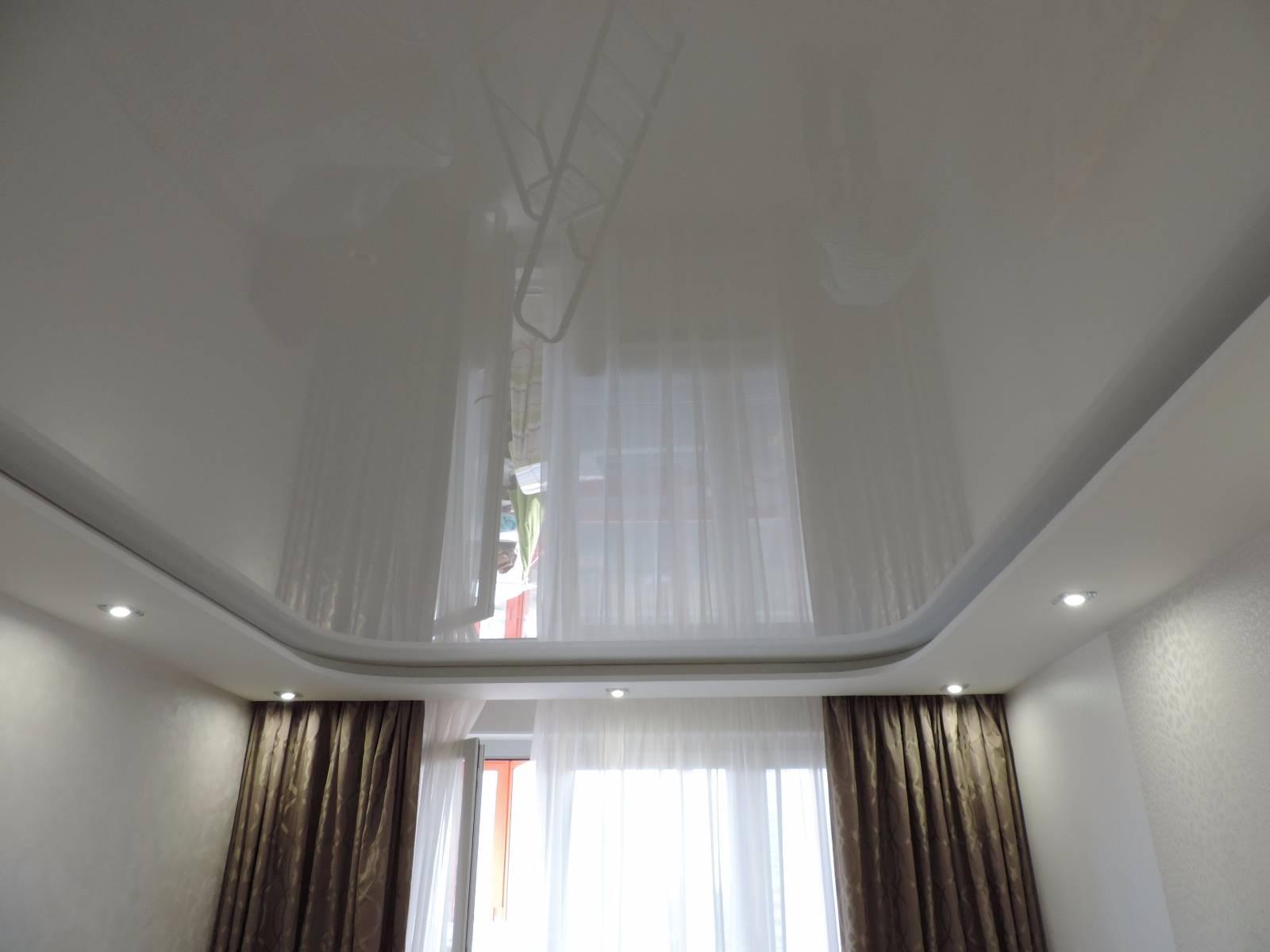 Натяжной потолок со скрытым карнизом